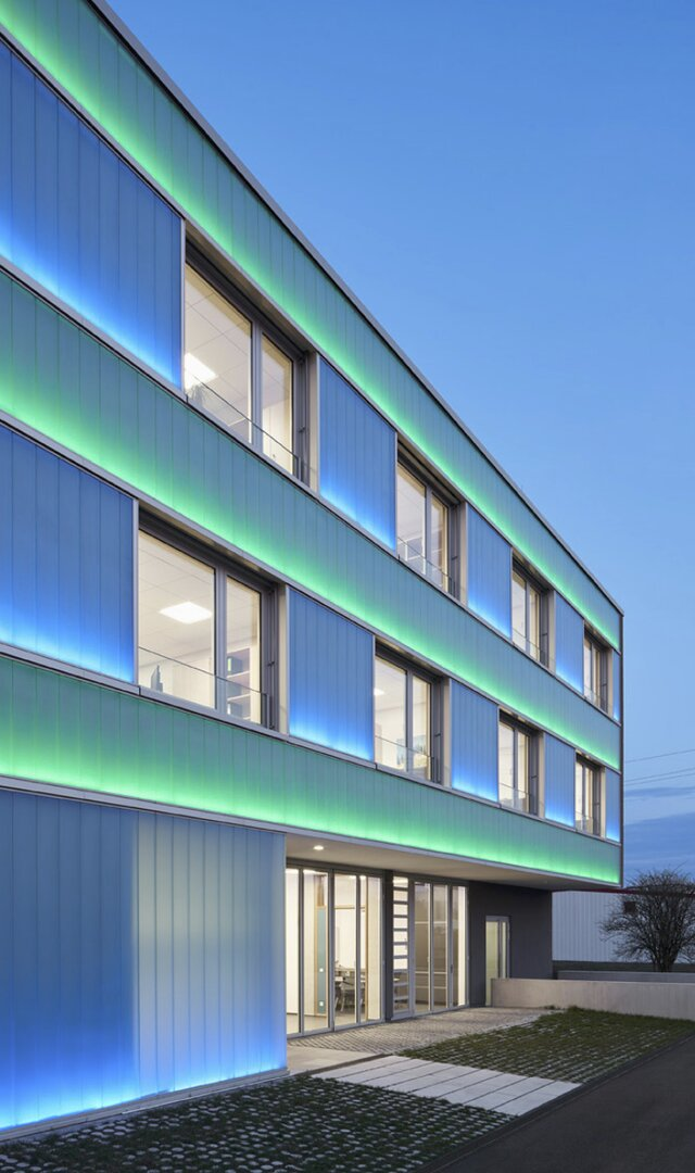 architekten huismanns led fassade